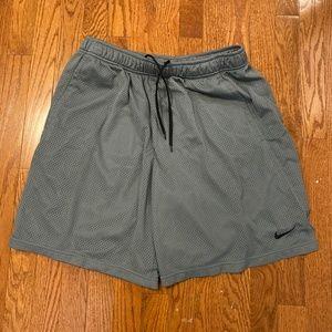 Nike Dri-Fit Gray Men's Athletic Shorts - XL